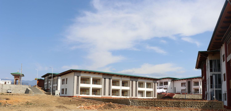 Raven Hostel/Residence